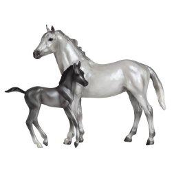 Breyer Classics 62031 - Siwy koń pełnej krwi angielskiej ze źrebakiem