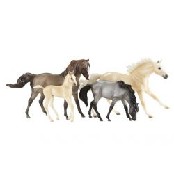 Breyer Classics 1728 - Zestaw 4 koni Cloud's Encore