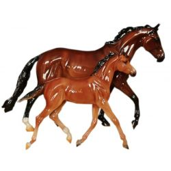 Breyer Traditional 1474 - GLOSS - GG Valentine i Heartbreaker