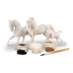 Breyer 4157 - Rodzina koni do malowania