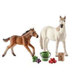 Schleich 42390 - Mustangi i jedzenie zestaw