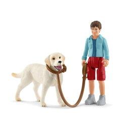 Schleich 42478 - Labrador retriever i chłopiec zestaw spacer