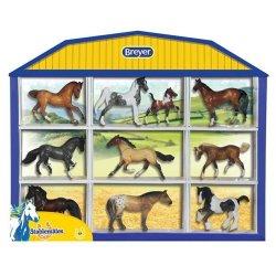 Breyer Stablemates 5425 - Zestaw 10 koni w gablotce